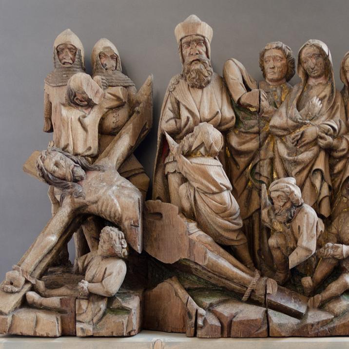 Annagelung Christi ans Kreuz, Figurenschnitzerei am Hochaltar der Maulbronner Klosterkirche; Foto: Staatliche Schlösser und Gärten Baden-Württemberg, Julia Haseloff