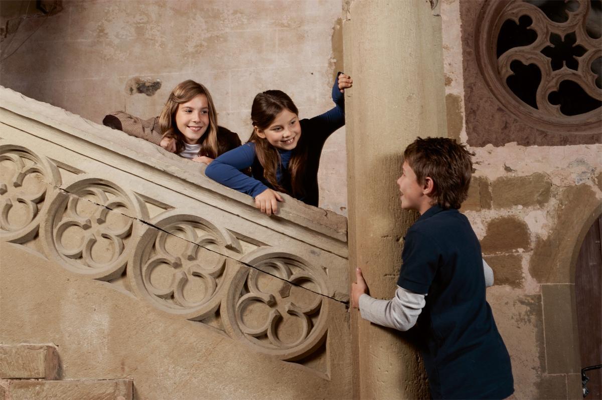 Kinder im Kloster