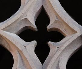 Gotisches Fenster im Konversengang von Kloster Maulbronn; Foto: Staatliche Schlösser und Gärten Baden-Württemberg, Julia Haseloff