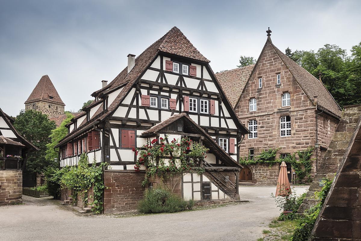 Außenansicht der Pfisterwohnung des Klosters Maulbronn; Foto: Staatliche Schlösser und Gärten Baden-Württemberg, Günther Bayerl