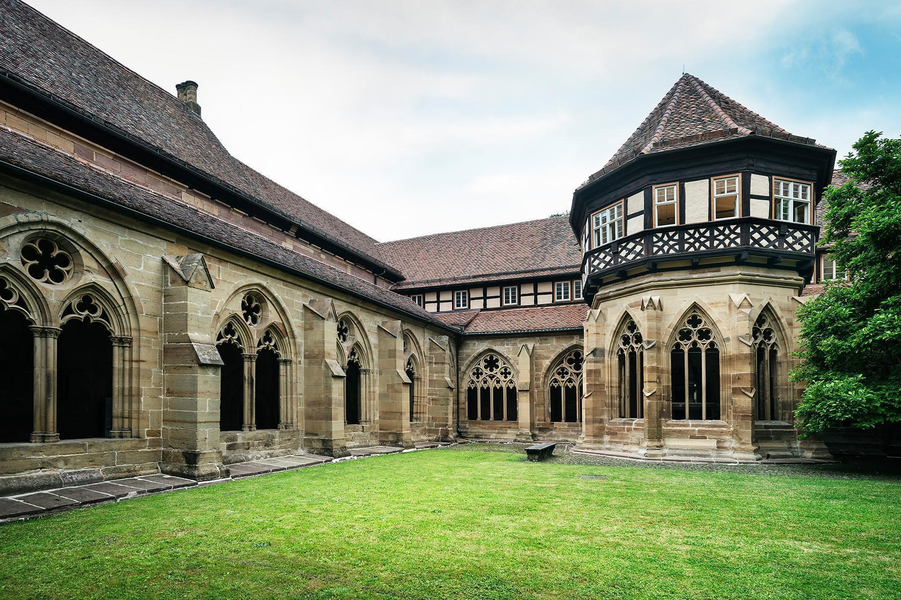 Maulbronn Monastery, refectories, fountain house and kitchen along the monastery's cloister. Image: Staatliche Schlösser und Gärten Baden-Württemberg, Günther Bayerl