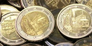 Image: In a pile: Maulbronn's 2 euro coin