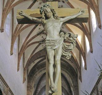 Maulbronn Monastery, view of crucifix and painted net vault in the monastery church. Image: Staatliche Schlösser und Gärten Baden-Württemberg, Arnim Weischer