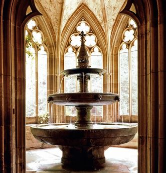 Fountain house with three-bowl fountain, Maulbronn Monastery. Image: Landesmedienzentrum Baden-Württemberg, Dieter Jäger
